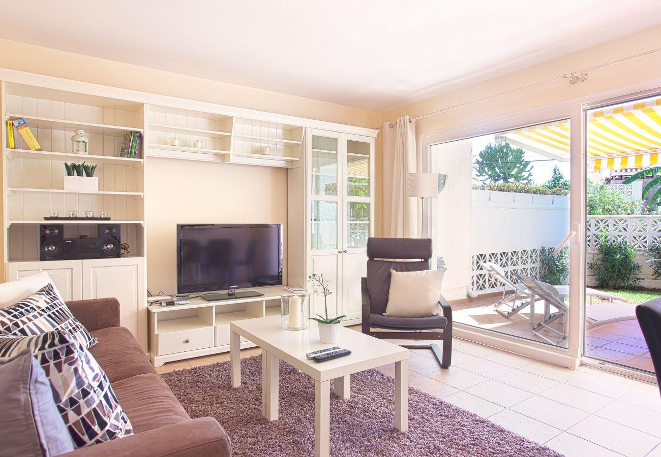 Salón de la propiedad en alquiler Costabella Marbella
