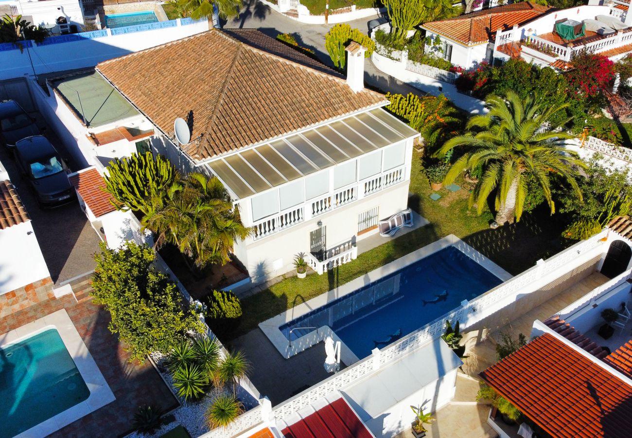 Villa en Marbella - Villa con piscina privada cerca de la playa, Costabella Marbella