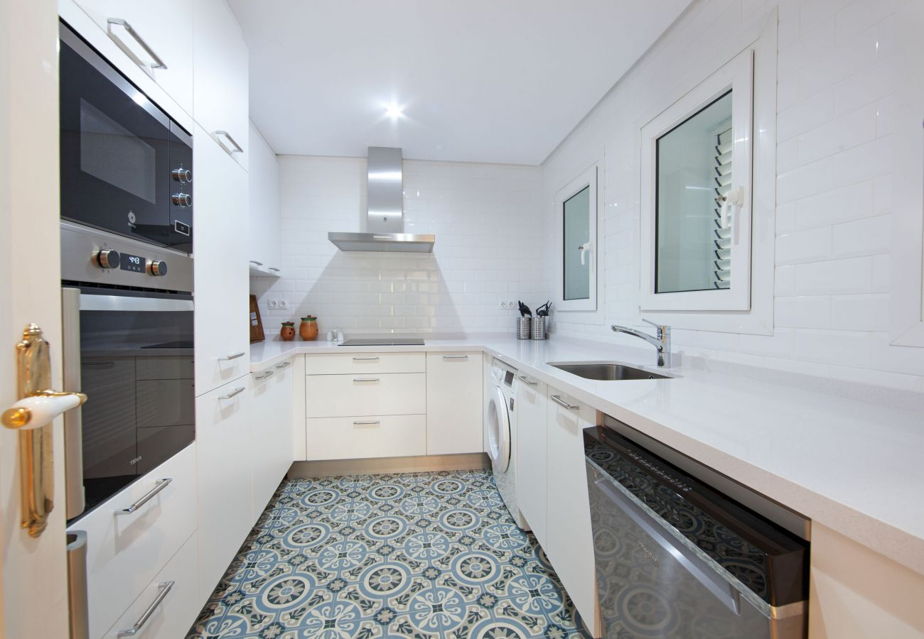 Apartamento en Marbella - White Pearl beach J4, planta baja al lado de la playa