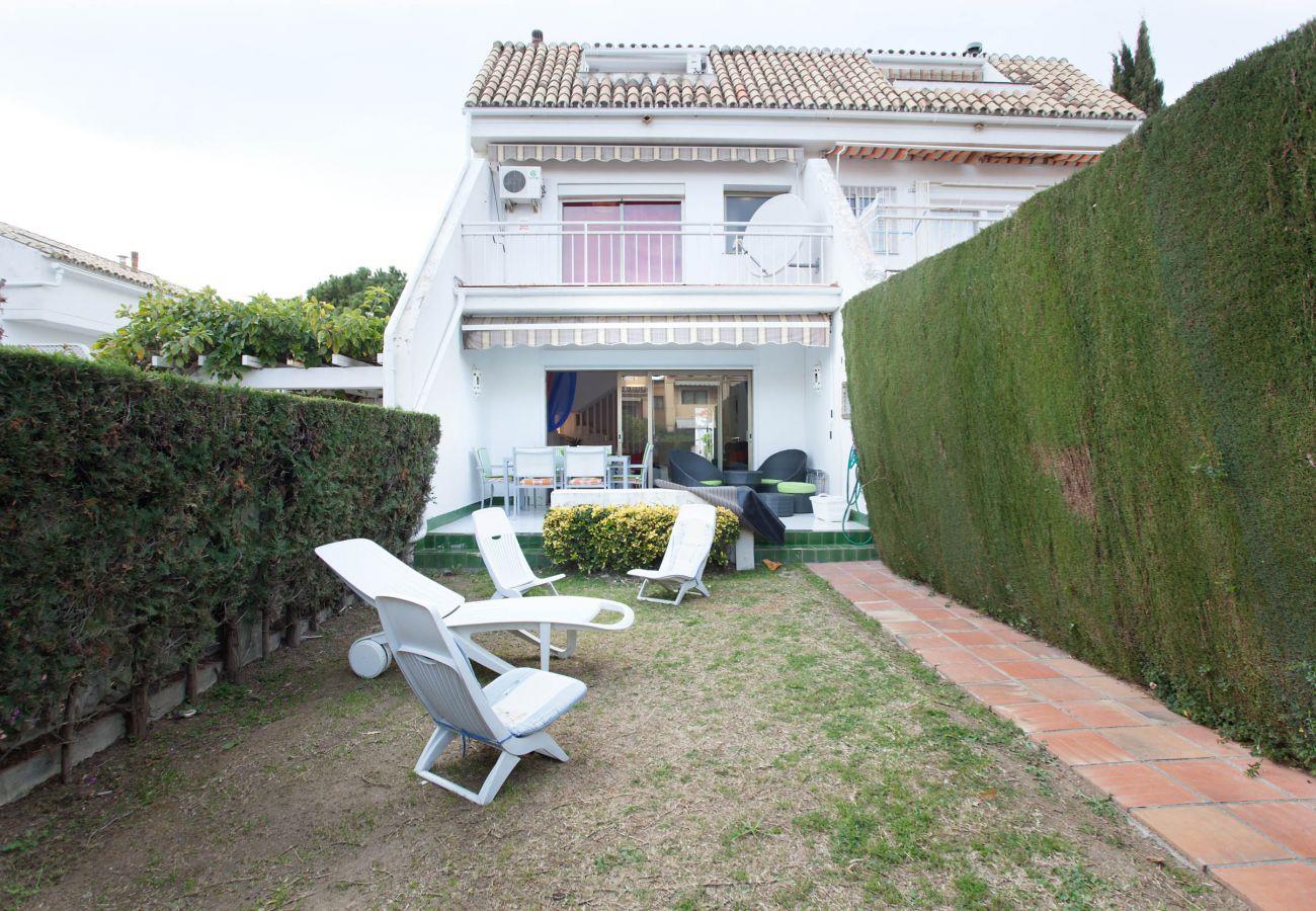 Chalet Adosado en Marbella - Alquiler de larga temporada Jardines de Marberia, Marbella