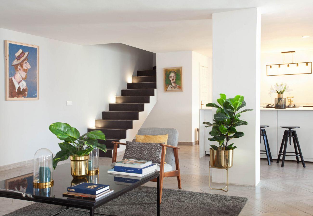Apartamento en Benahavís - Para larga temporada en el centro de Benahavis