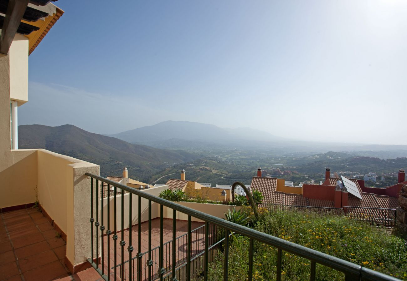 Casa adosada en Ojen - Monte Elviria