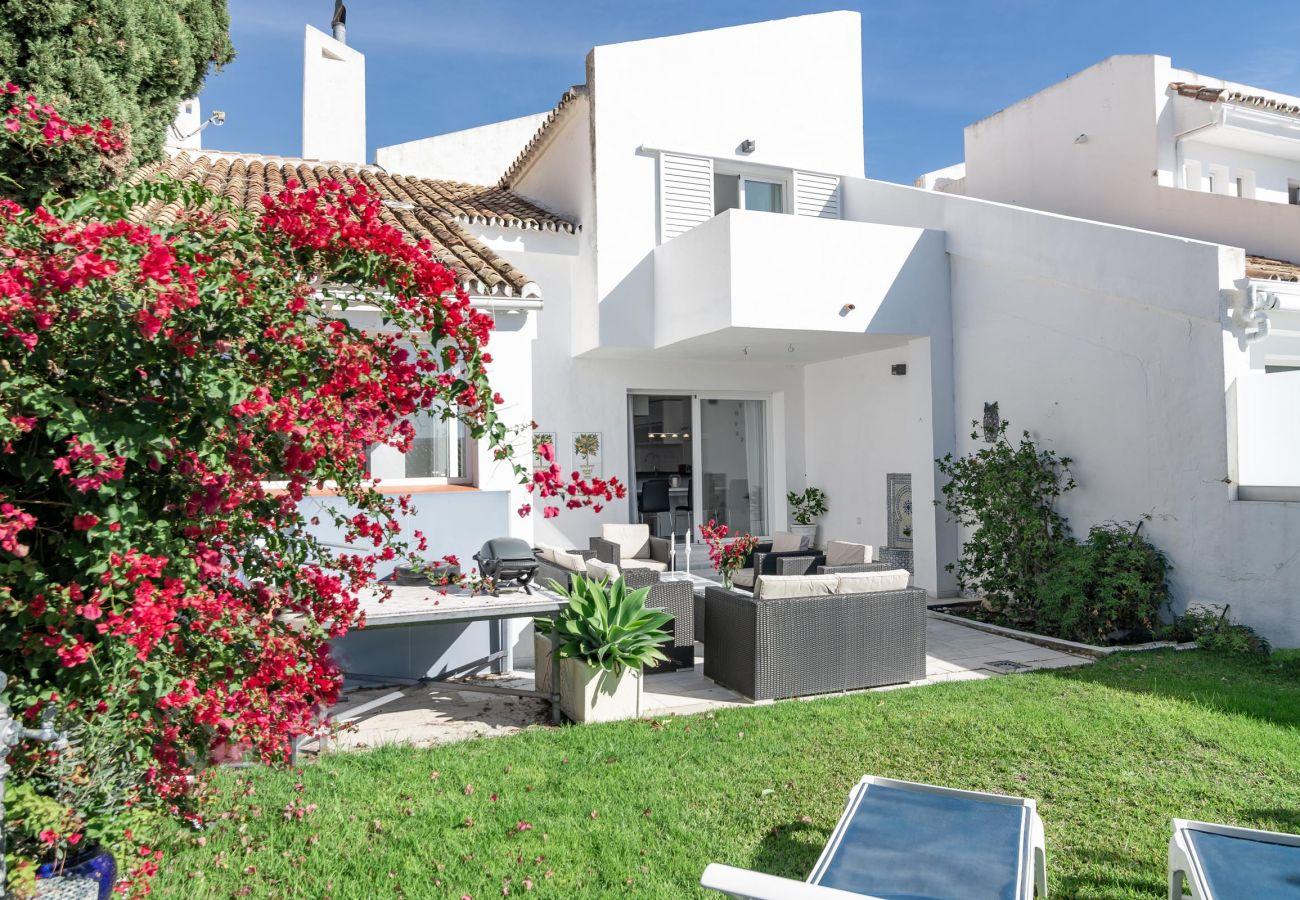 Casa adosada en Nueva andalucia - PB- Modern 3 bed townhouse in Aloha golf