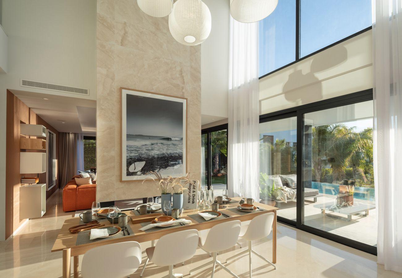 Villa en Marbella - Villa en venta en Nueva Andalucia, Olivos
