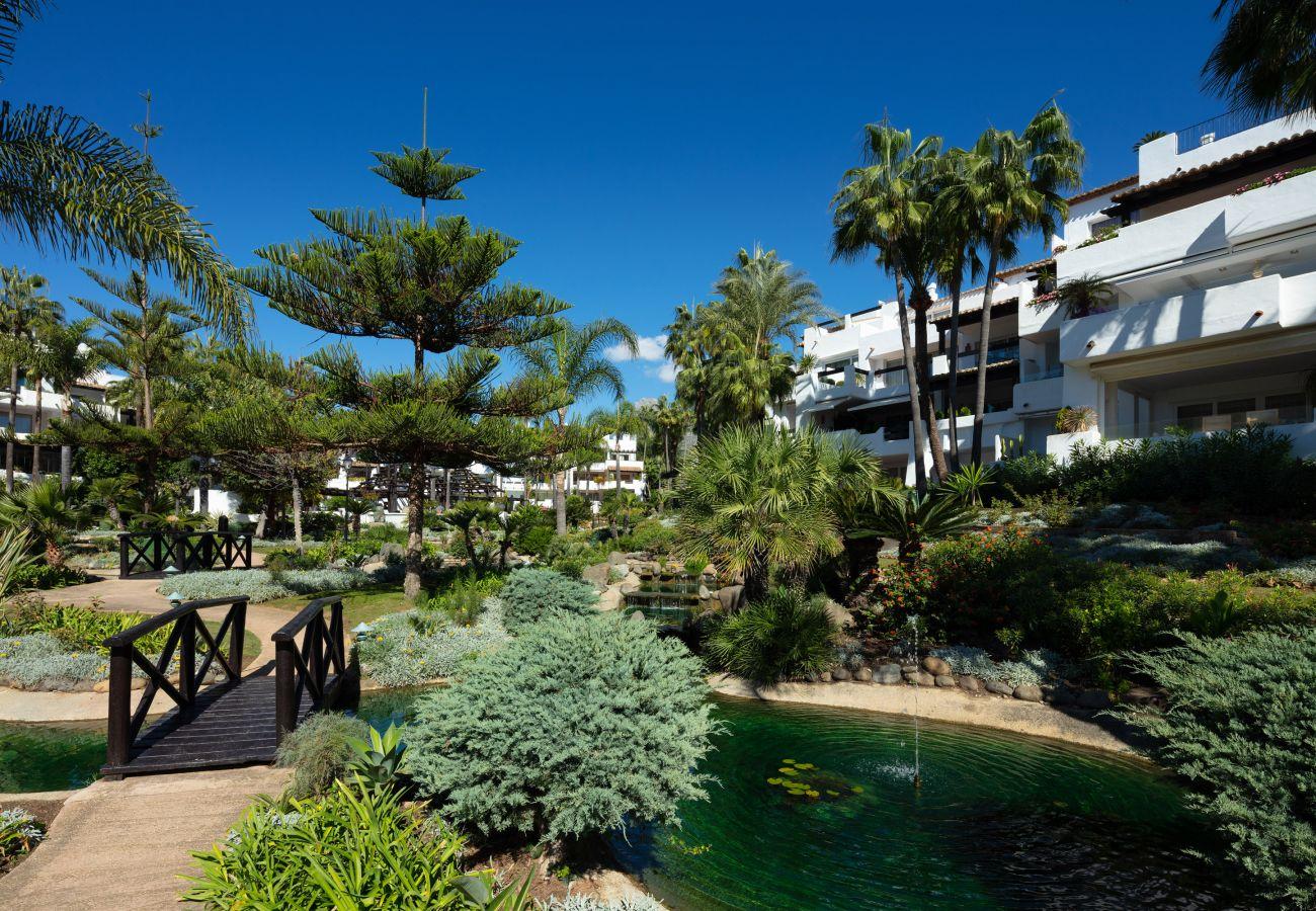 Apartamento en Marbella - Apartamento planta baja en venta en Puente Romano, Marbella