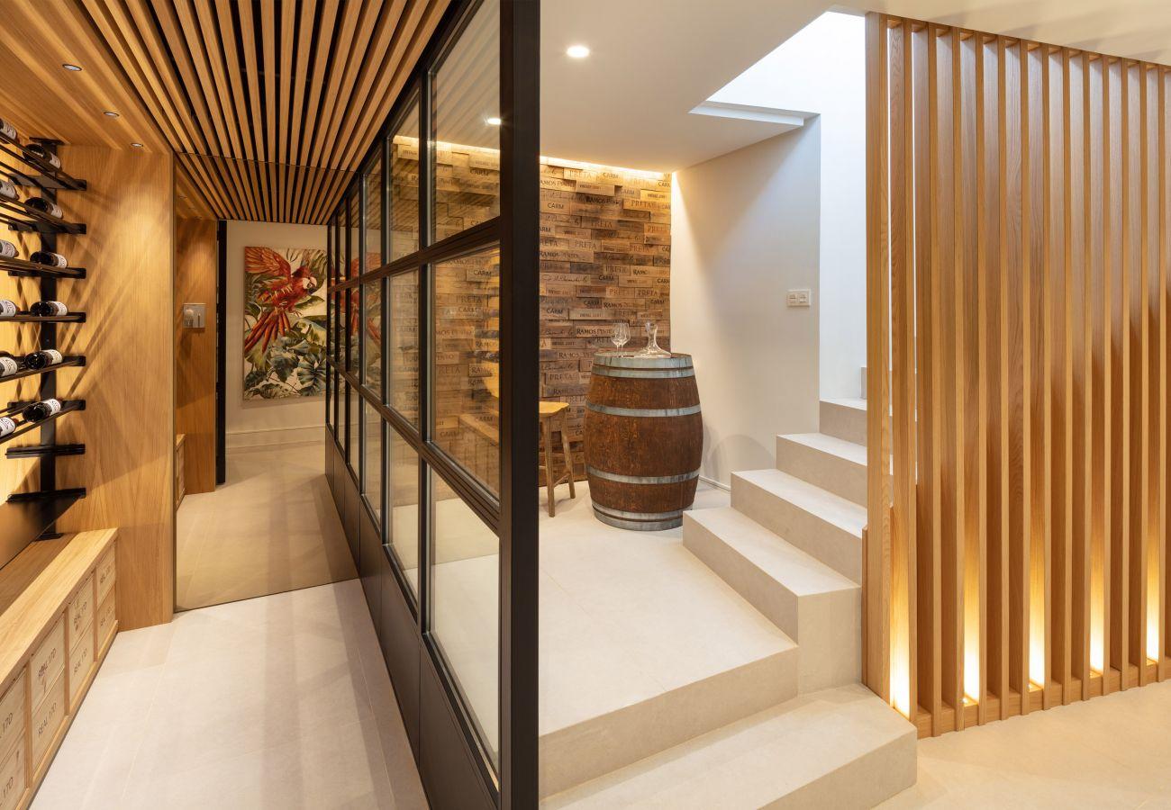 Villa en Marbella - Villa moderna en venta en Nueva Andalucia, Marbella