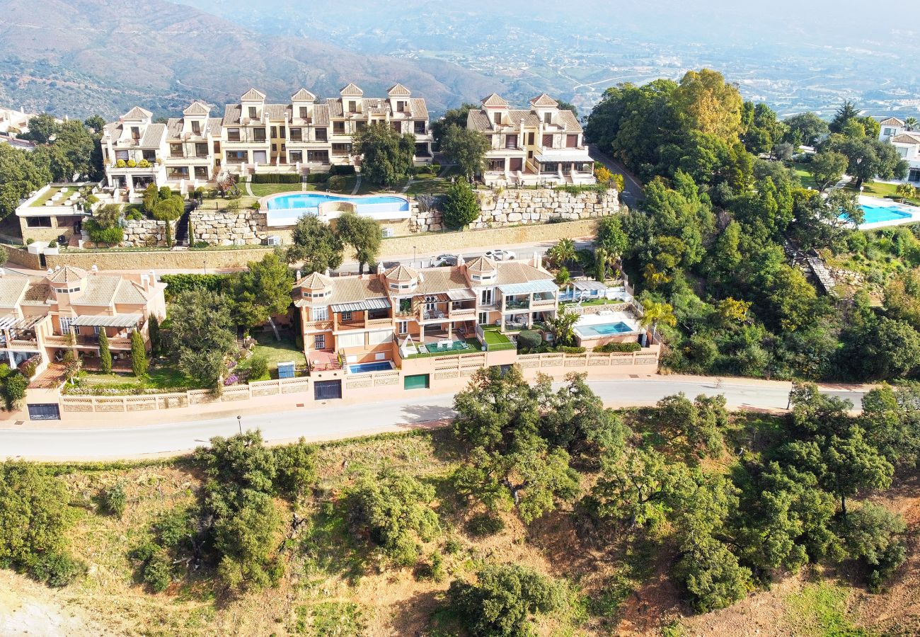 Casa adosada en Ojen - Adosado de lujo con impresionantes vistas en La Mairena