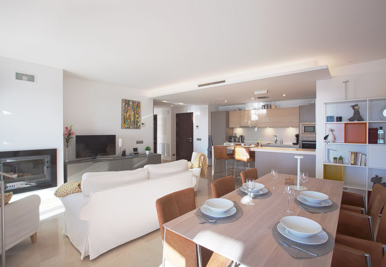 Apartment in Ojen - Luxury penthouse in natural surroundings