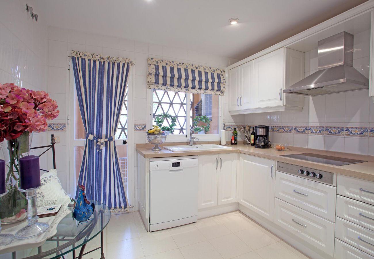 Apartment in Marbella - Luxury apartment Hacienda Elviria, Marbella