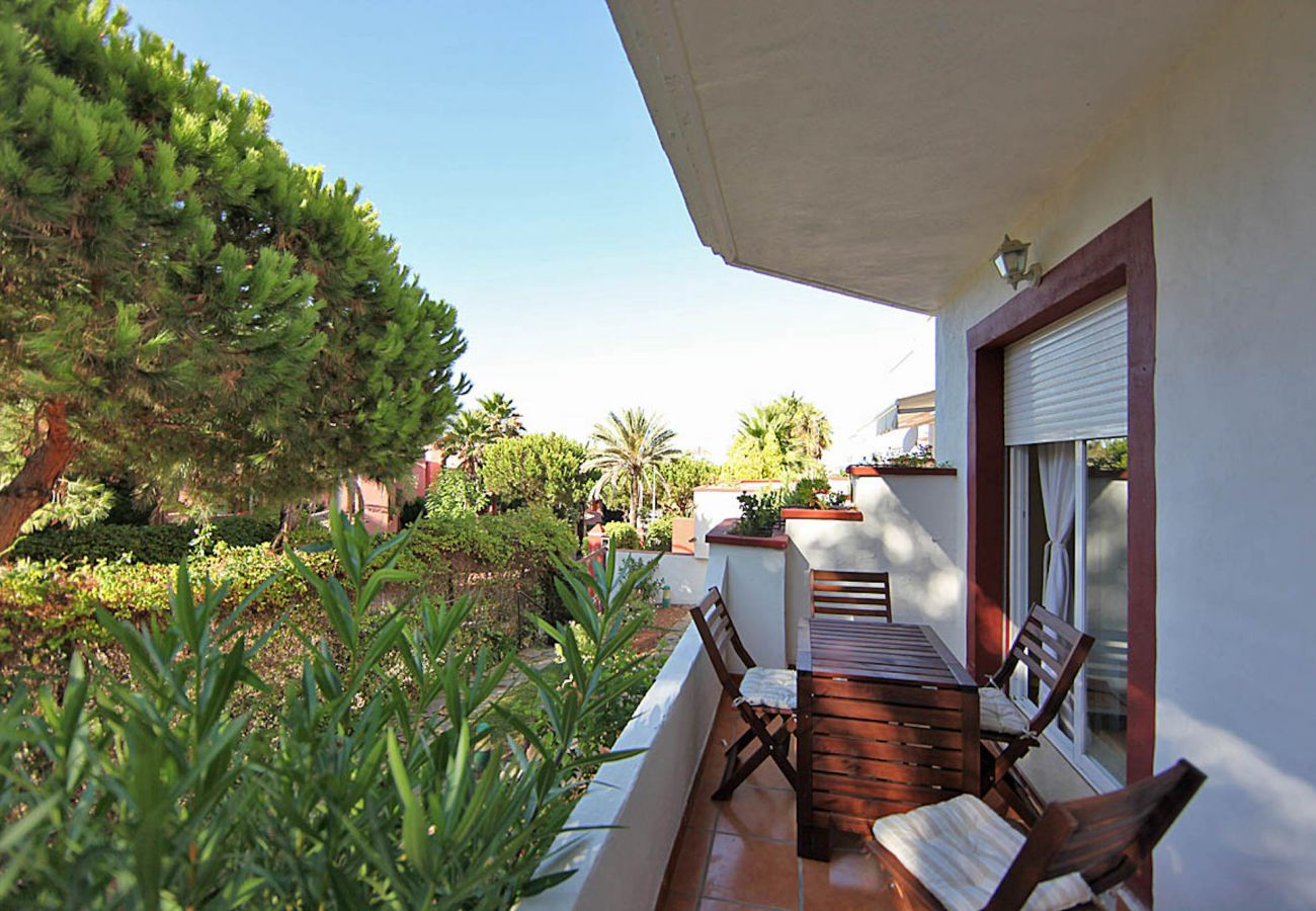 Apartment in Marbella - Beachside ground floor apartment Elviria, Marbella