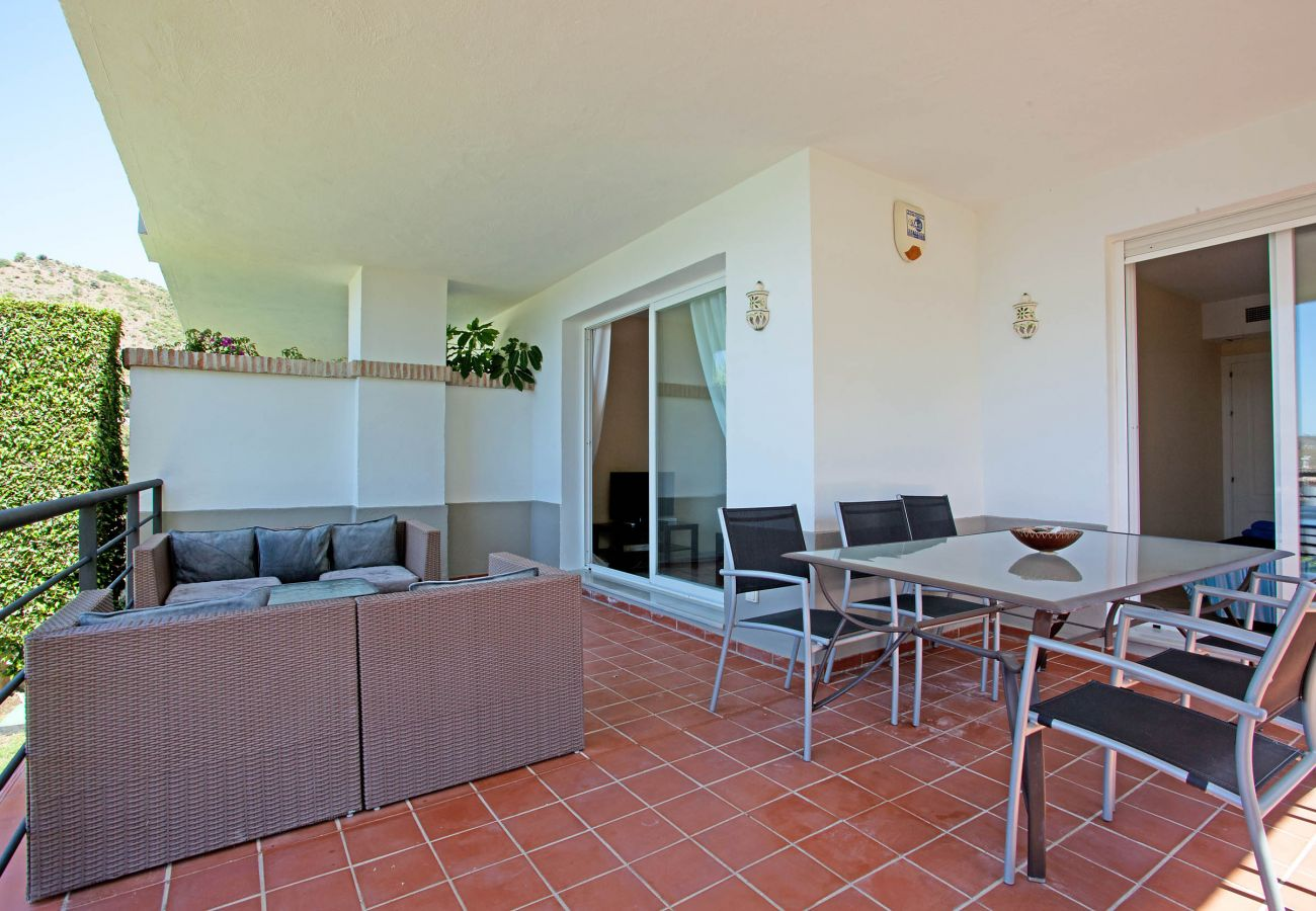 Apartment in Benahavís - Comfortable three bedroom ground floor apartment on Los Arqueros golf resort, Marbella