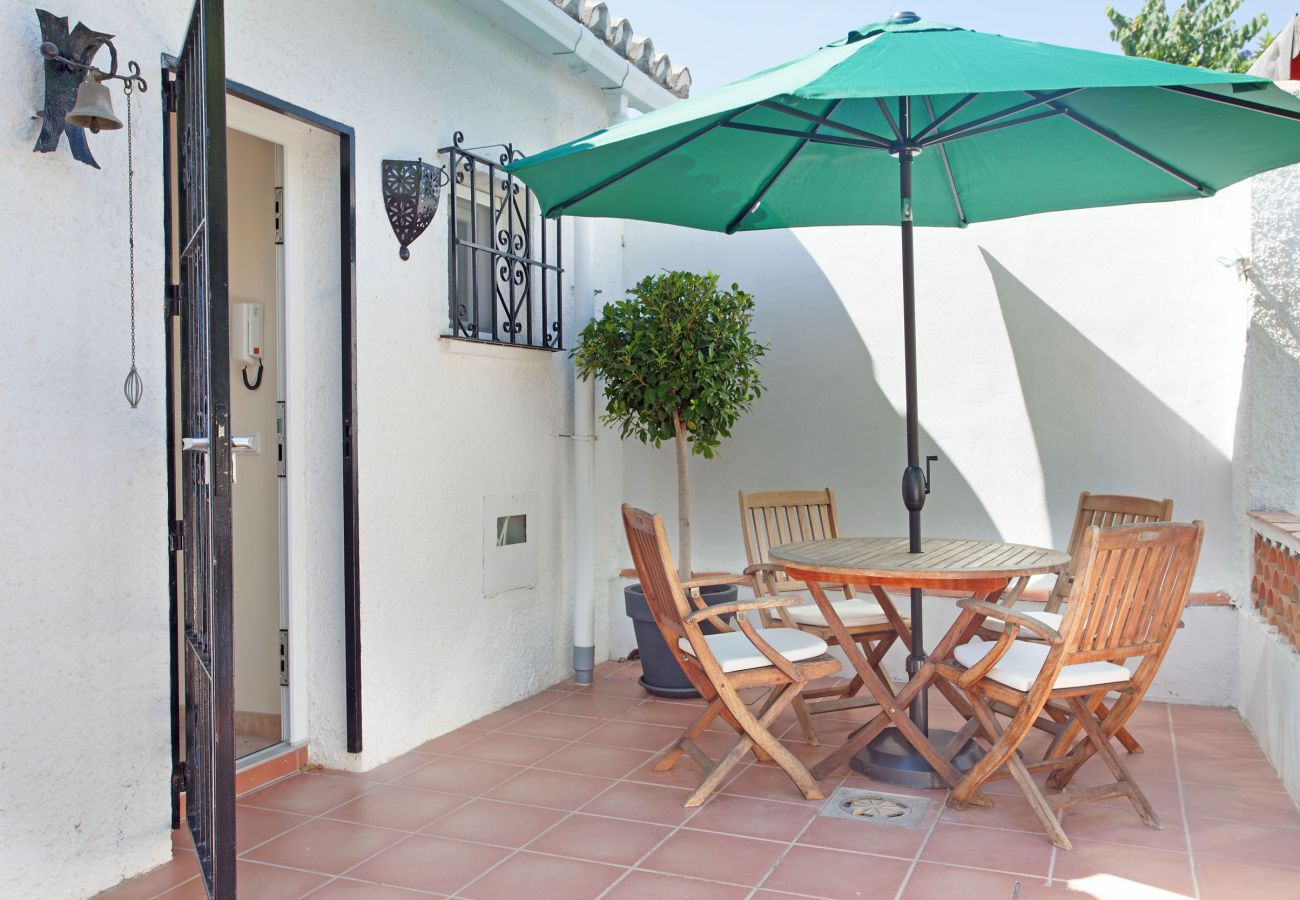 House in Marbella - Charming beachside house Costabella, Marbella