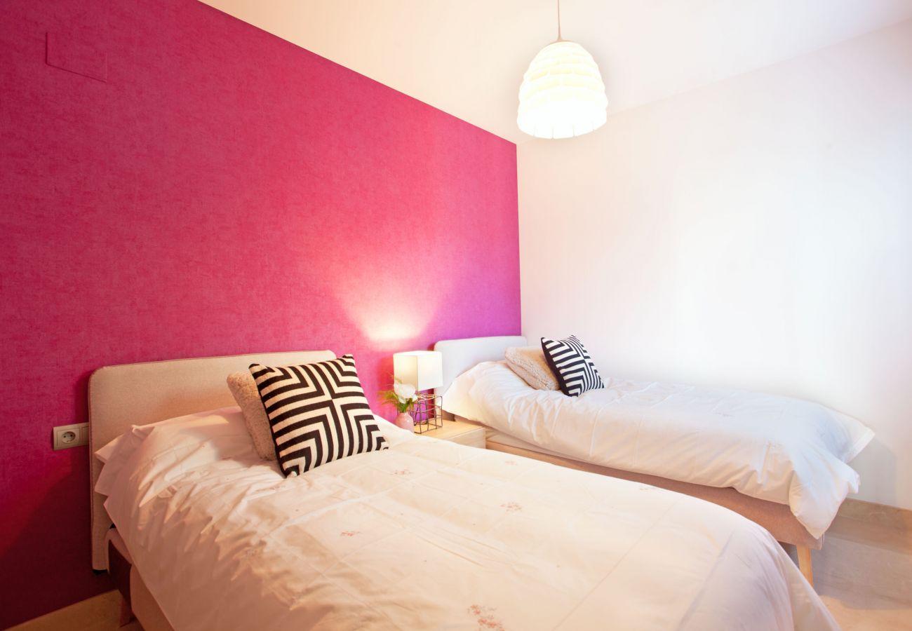 Apartment in Ojen - Modern Three bed ground floor apartment La Mairena
