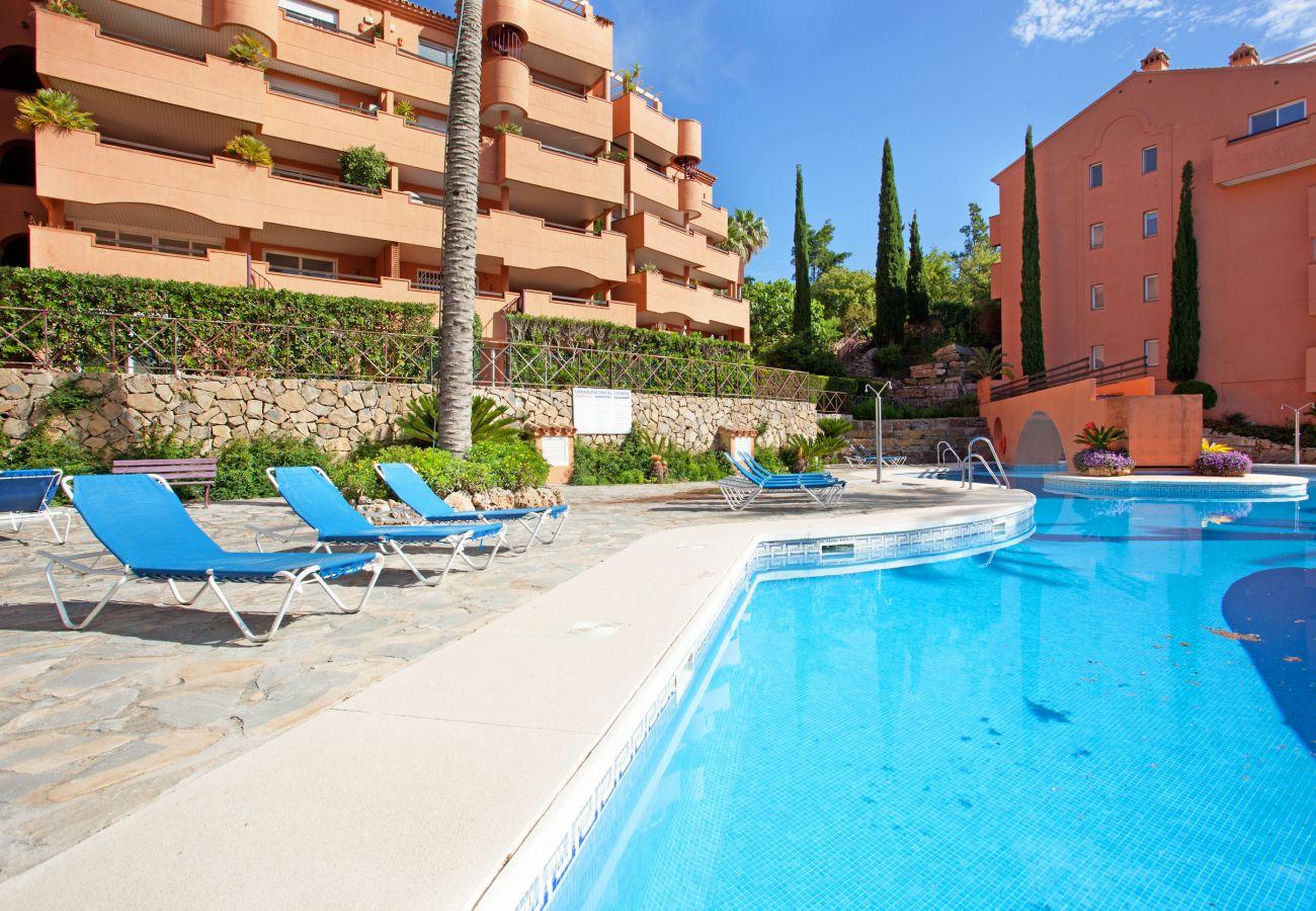 Apartment in Ojen - Apartment with great views, El Vicario