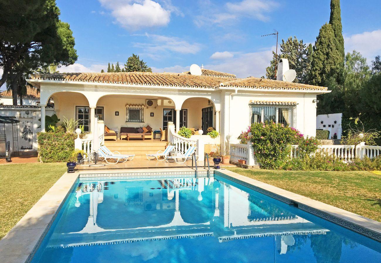 Villa in Marbella - Villa las Cenefas Hacienda las Chapas, villa with private pool and garden