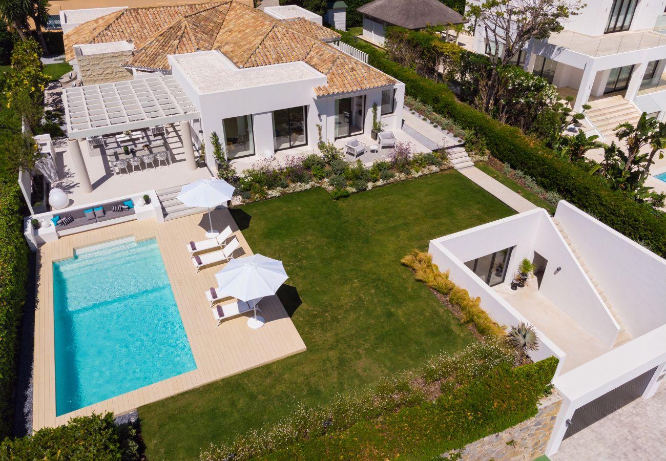 Villa/Dettached house in Marbella - Villa for sale in Aloha, Nueva Andalucia