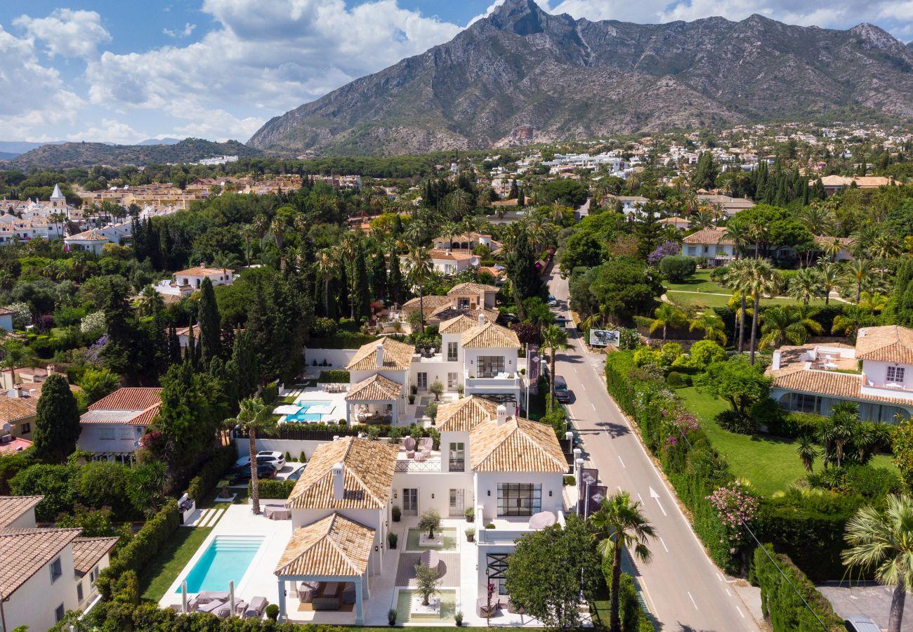 Villa/Dettached house in Marbella - Luxury Villa for sale in Nagueles, Marbella
