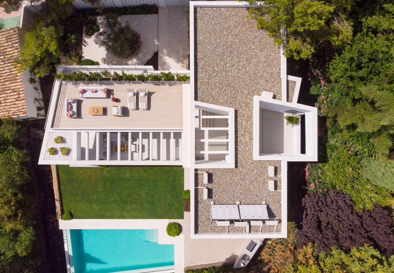 Villa/Dettached house in Marbella - Modern villa for sale in Nueva Andalucia, Marbella