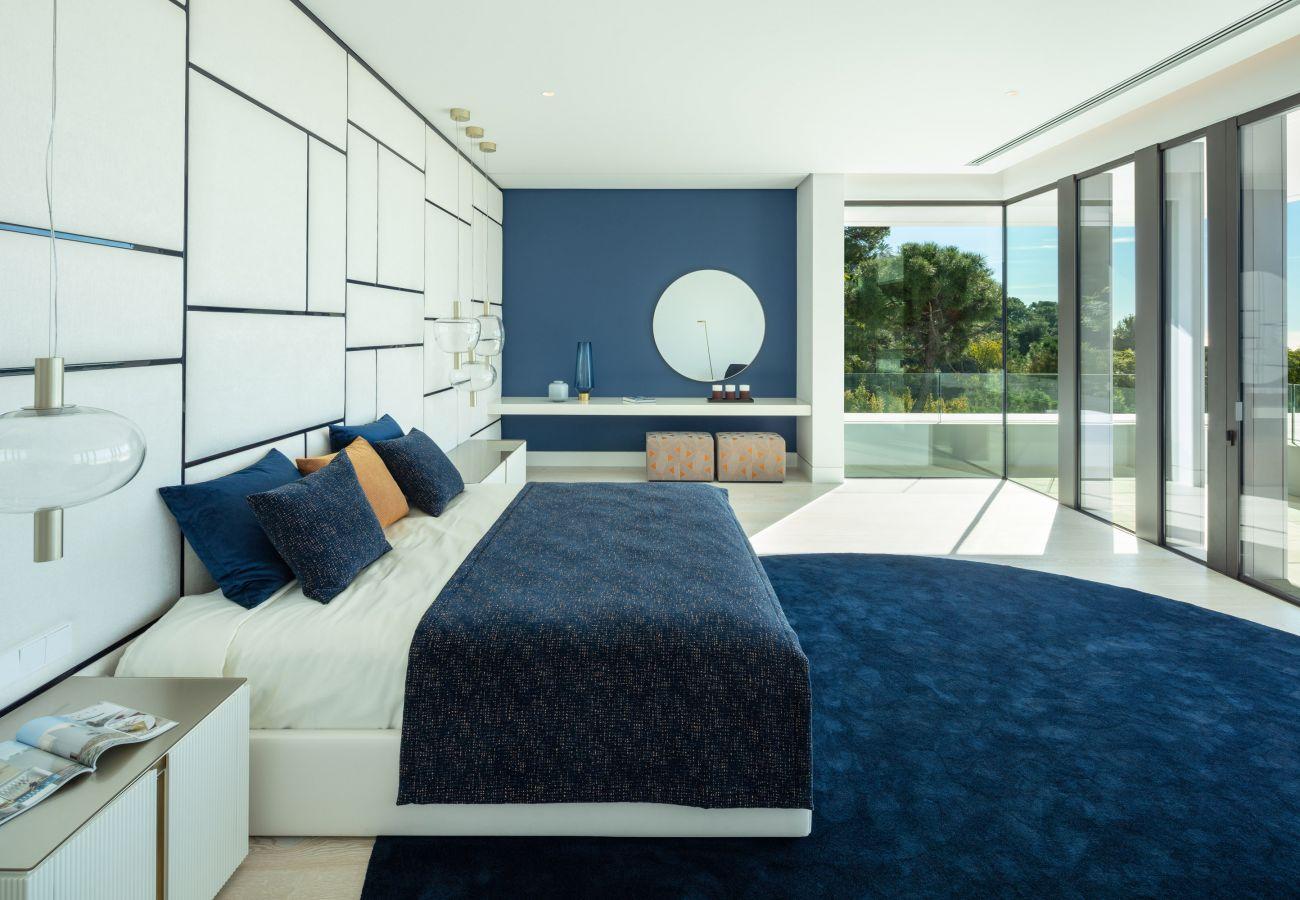 Villa/Dettached house in Benahavís - impressive modern villa in Benahavis next to Marbella
