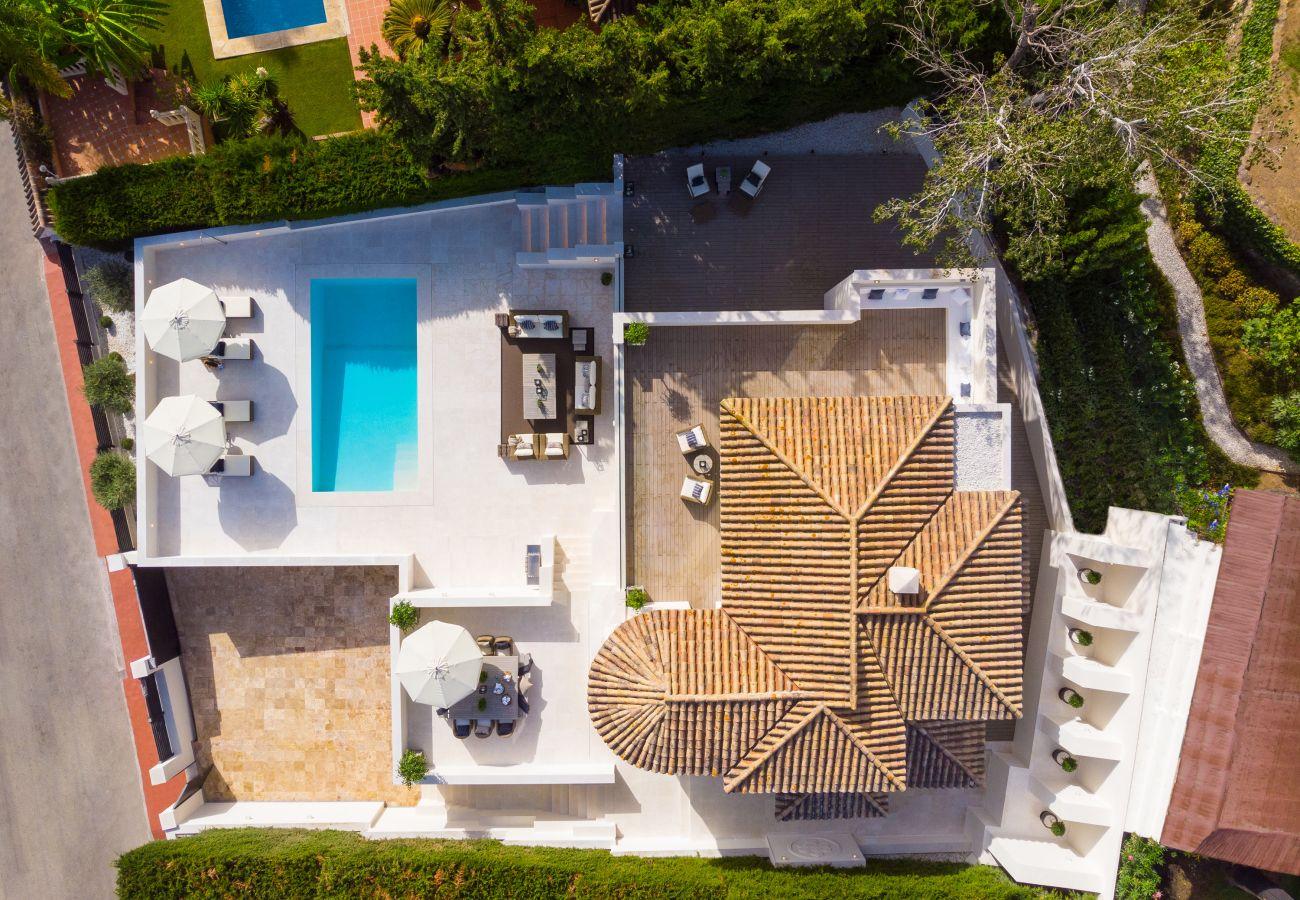 Villa/Dettached house in Marbella - Modern villa for sale in Nueva Andalucia