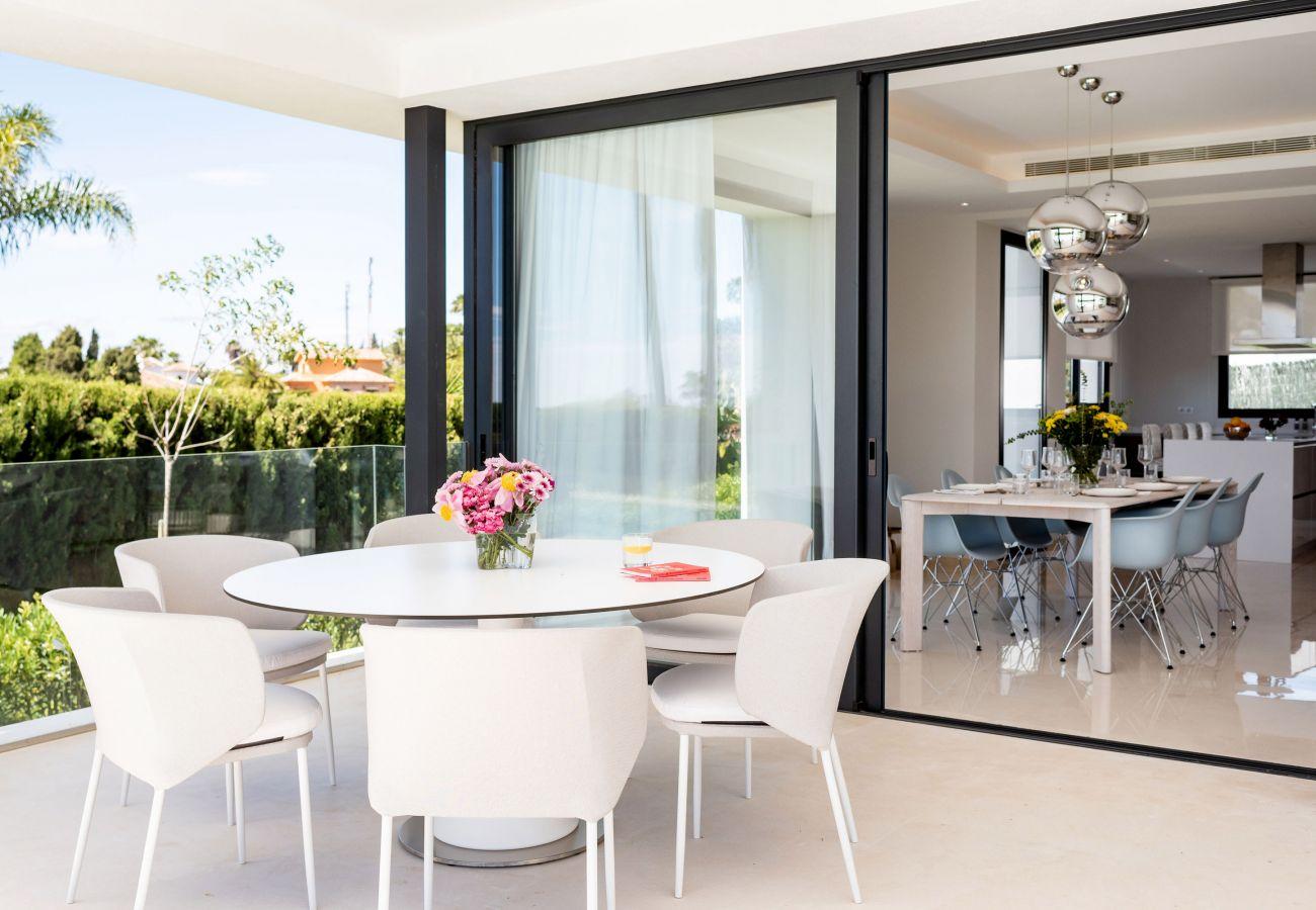 Villa/Dettached house in Marbella - New built villas in El Paraiso