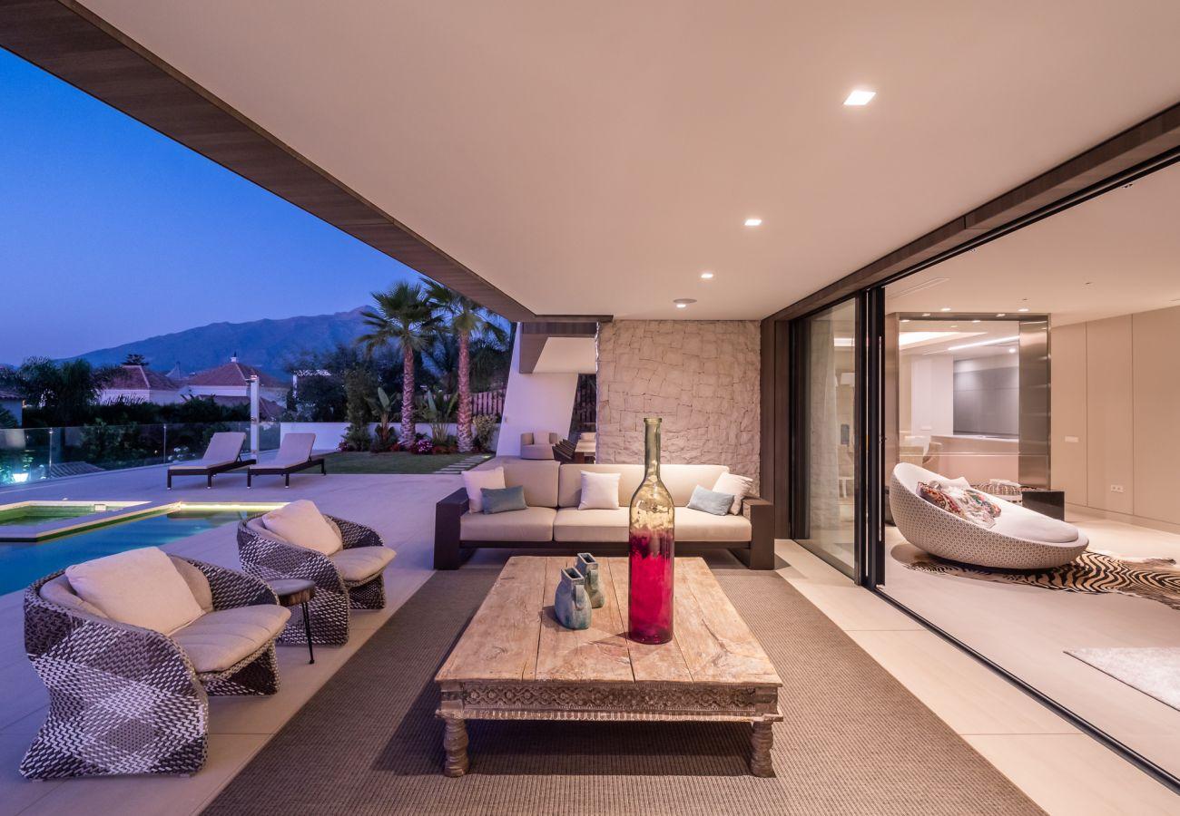 Villa/Dettached house in Marbella - Luxury villa for sale Nueva Andalucia, Marbella