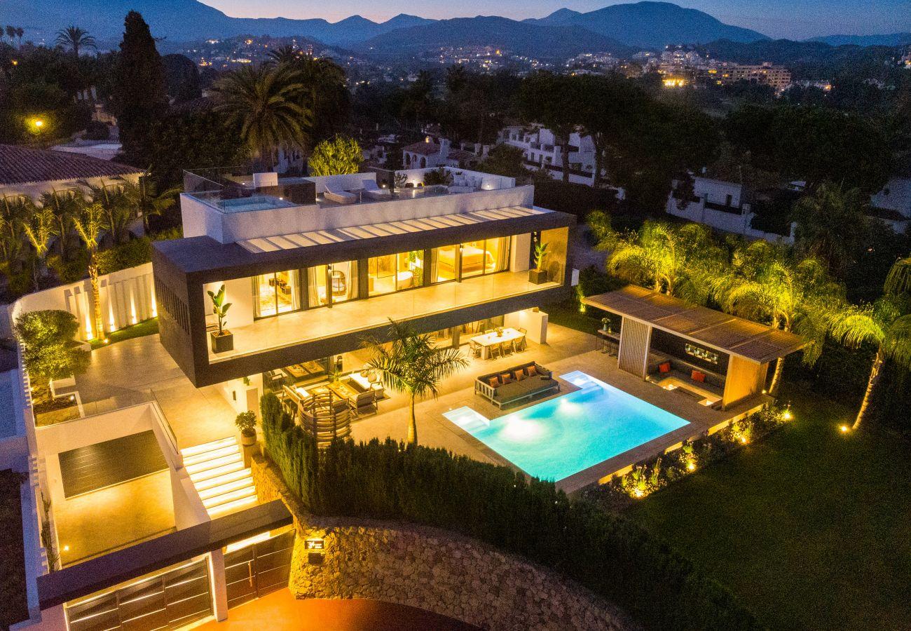 Villa/Dettached house in Marbella - Modern Villa for sale in Nueva Andalucia, Villa Marina